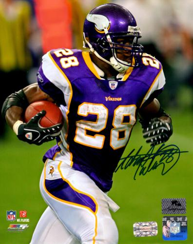 Adrian Peterson Autographed Minnesota Vikings 8x10 Photo - AD28 Holo