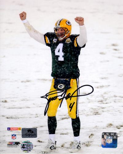 Brett Favre Autographed Green Bay Packers (Snow) 8x10 Photo - Favre Holo
