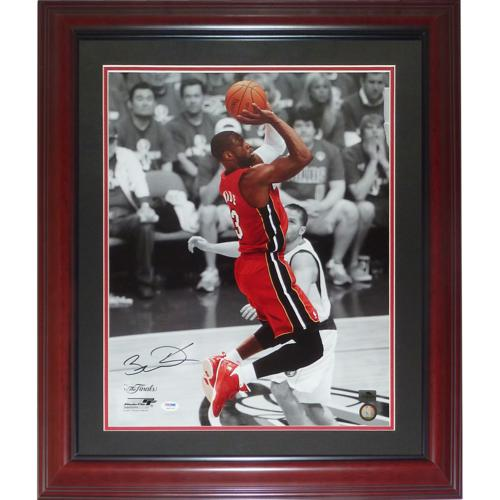 Dwyane Wade Autographed Miami Heat (Spotlight) Deluxe Framed 16x20 Photo - PSADNA